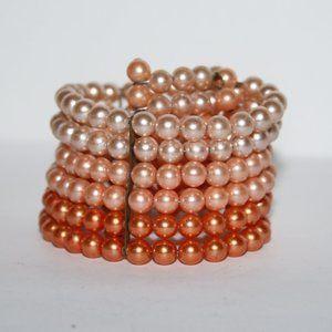 Beautiful vintage pearl peach bracelet